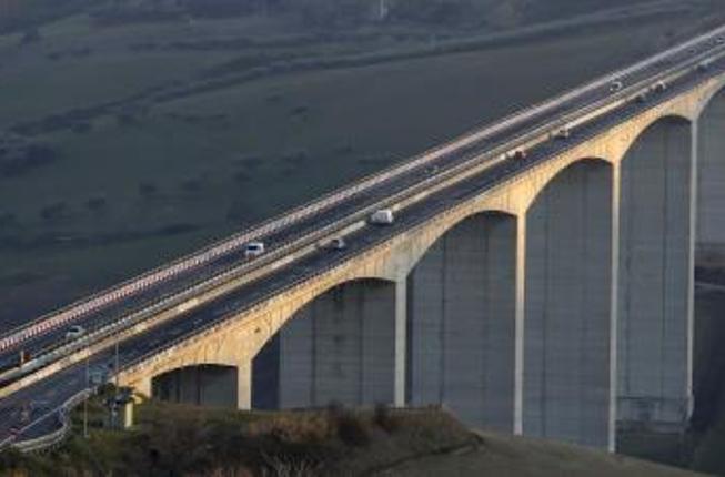Collegamento a Nasce il Consorzio Fabre, un'alleanza tecnico-scientifica per la valutazione della sicurezza e il monitoraggio di ponti e viadotti in Italia.